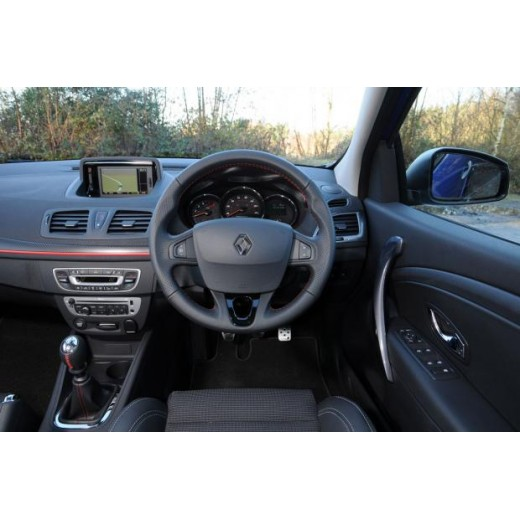 2013 Renault Carminat Navigation Communication Europe V32.1 sat nav map update disc